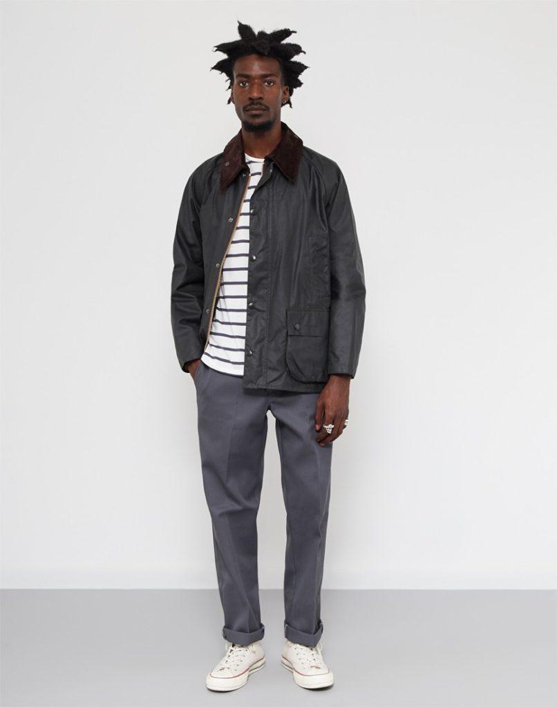黒人モデルがビデイルジャケットを着こなしている