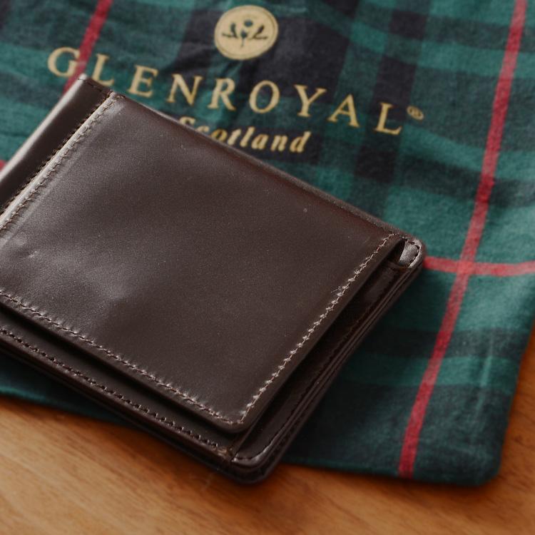 ブラウン色の財布
