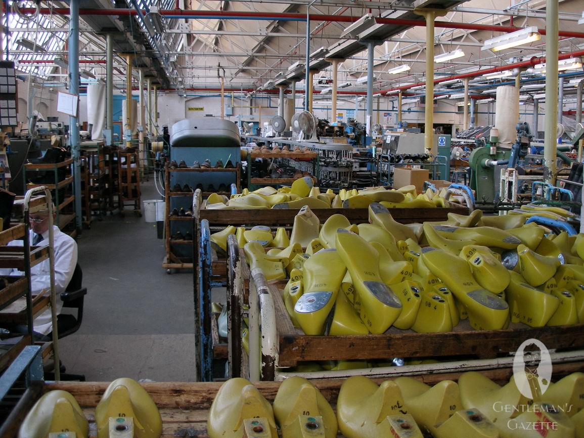 サンダースの工場