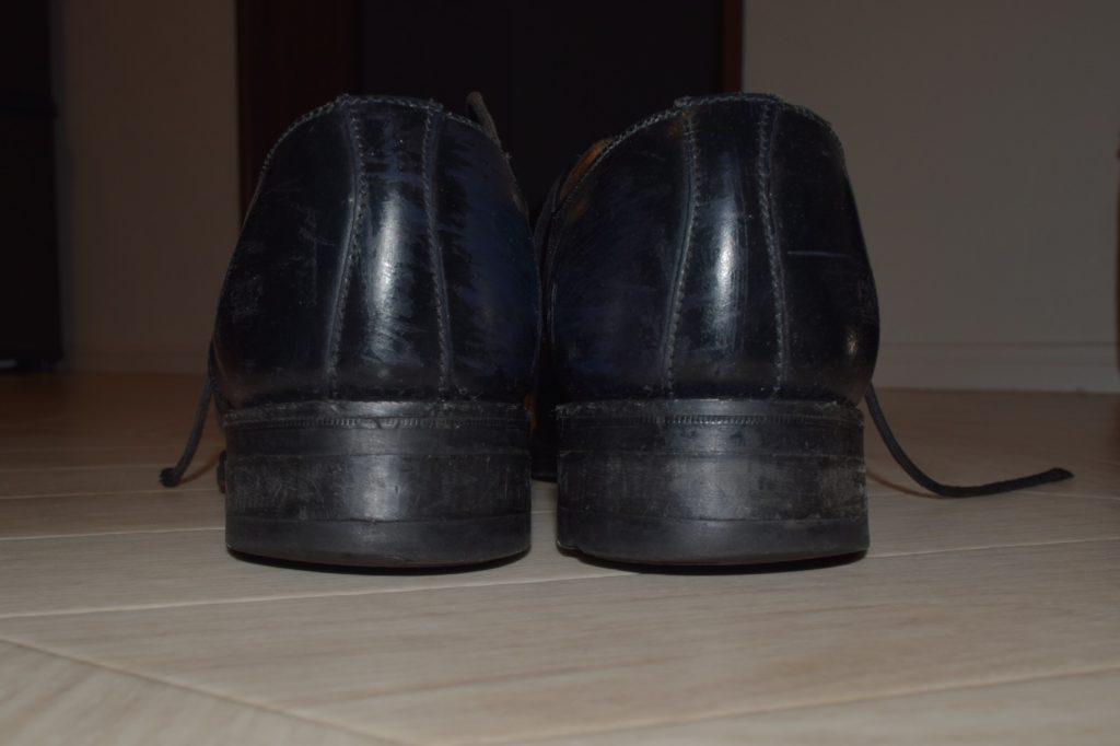 サンダースの革靴のかかと