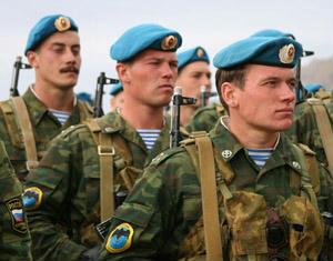 ロシア軍がボーダーシャツを着用