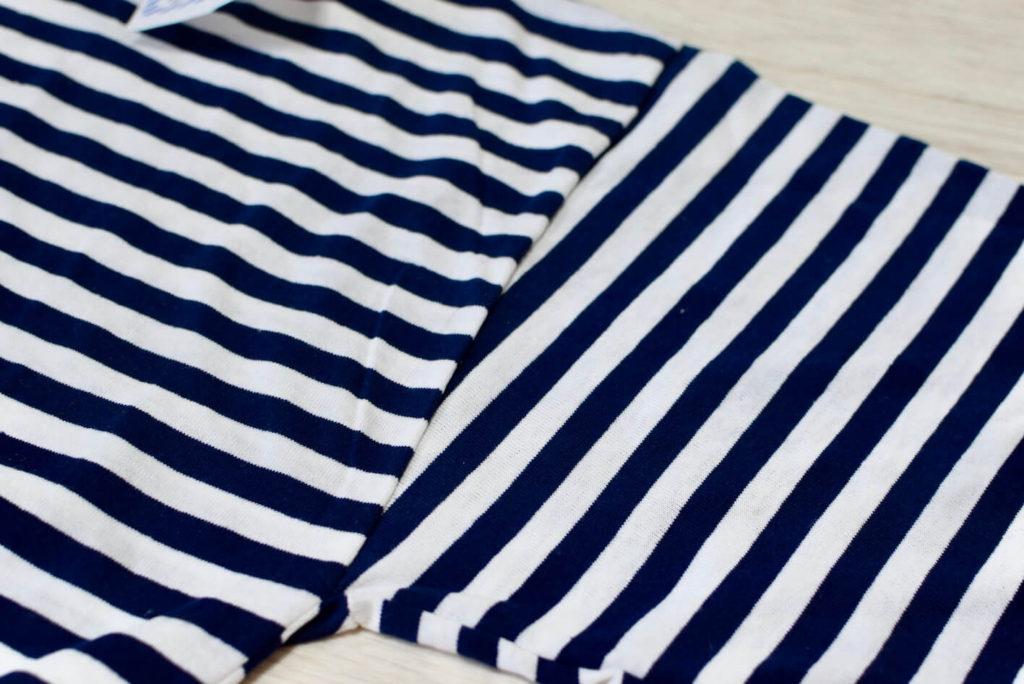 ボーダーシャツの胴体と腕の縫い目部分