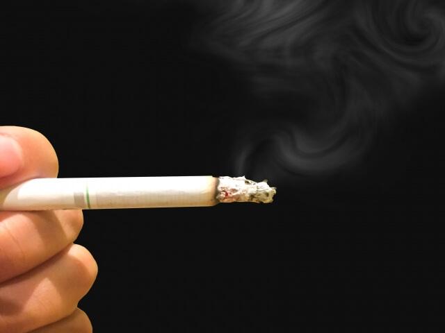 吸いかけのタバコ