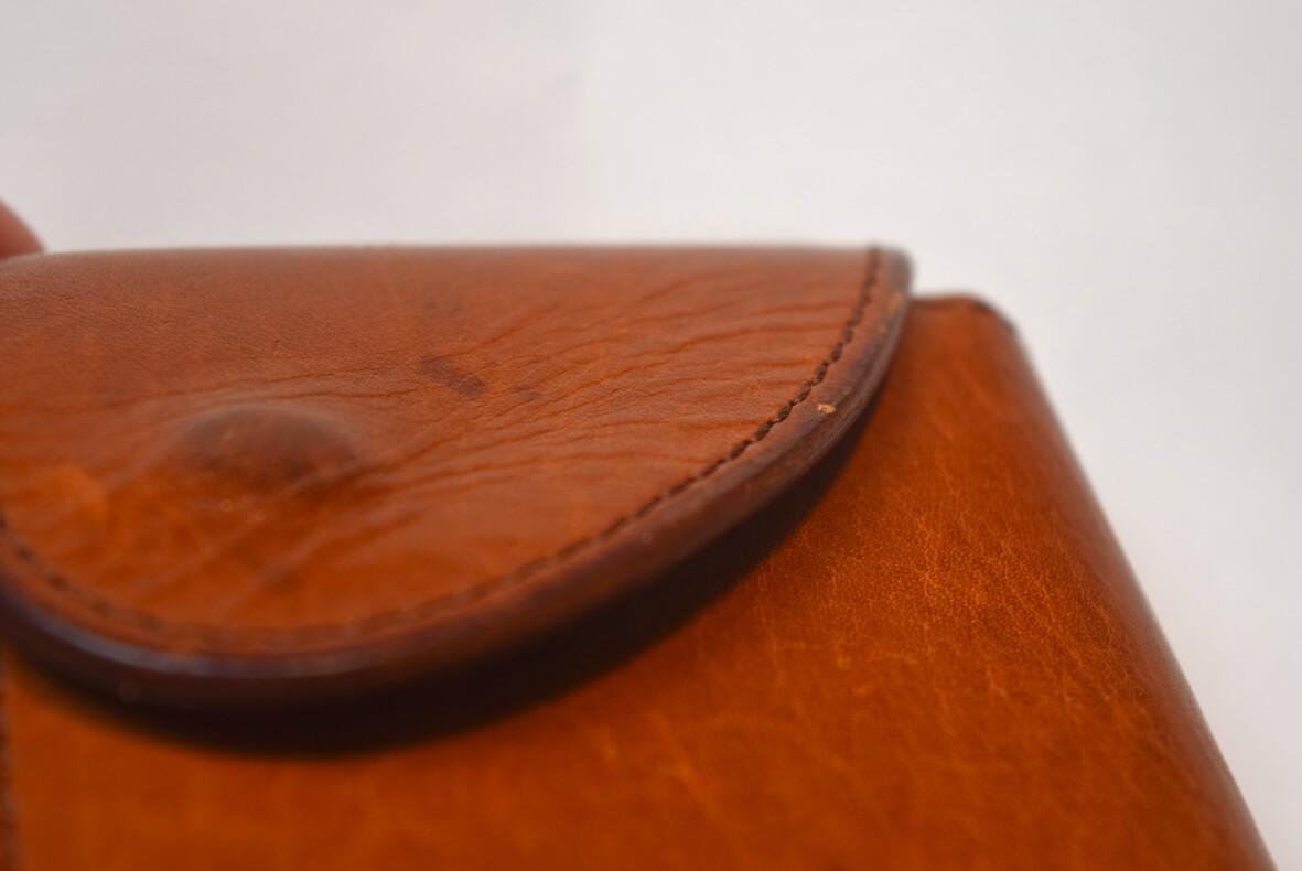 エンダースキーマの財布のコバ