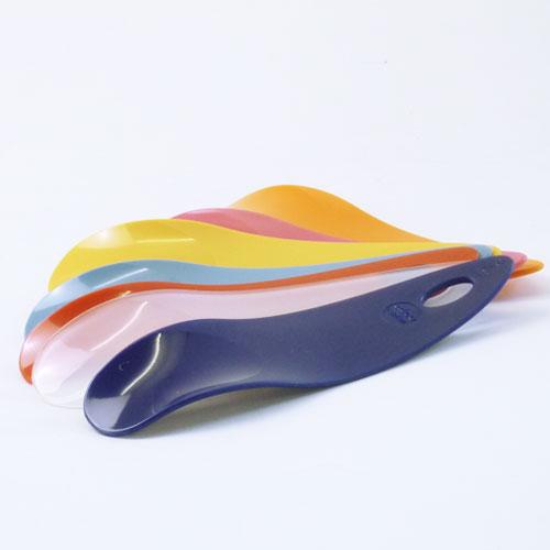 プラスチック素材のシューホーン