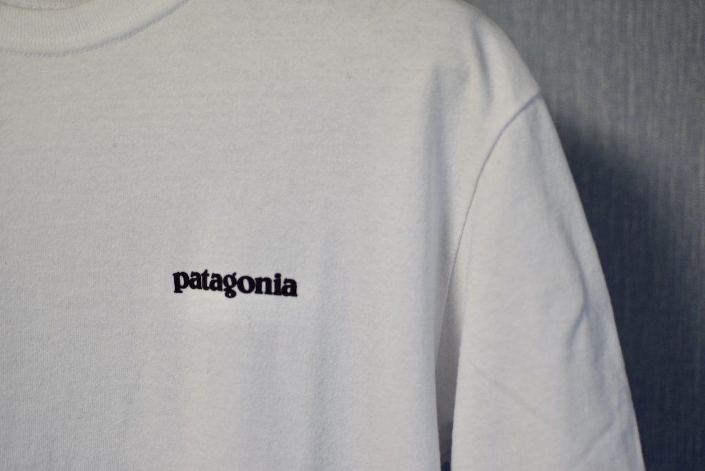 パタゴニアTシャツの胸元のロゴ