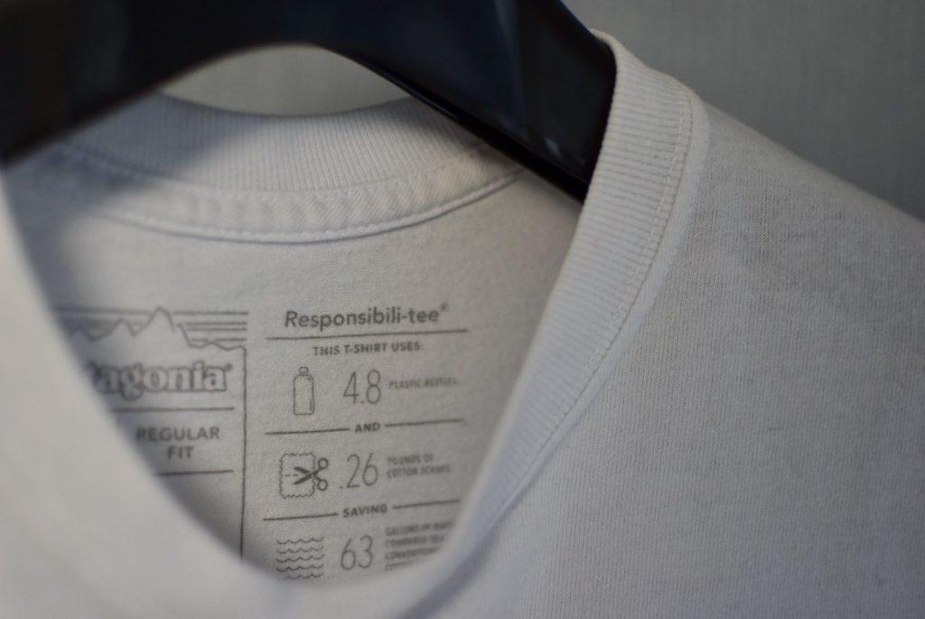 パタゴニアのロゴTはサステイナブルな素材を使用している。